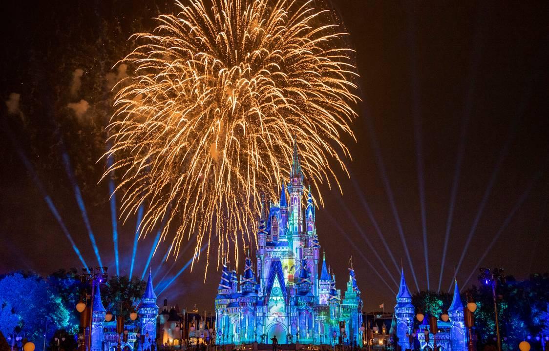 """Disney revela data final dos shows  """"Happily Ever After"""" e """"EPCOT Forever"""""""